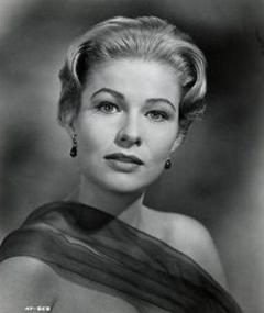 Foto di Nancy Olson
