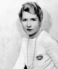 Photo of Violet Kemble Cooper