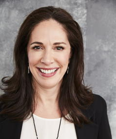 Monika Mitchell adlı kişinin fotoğrafı