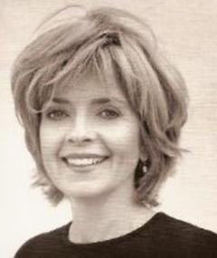 Photo of Linda MacEwen