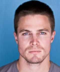 Photo of Stephen Amell