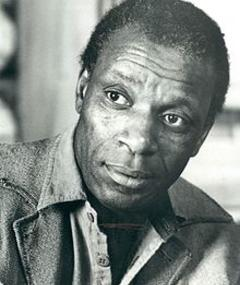 Photo of Moses Gunn