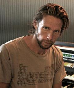 Magnus Fiennes adlı kişinin fotoğrafı