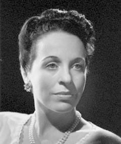 Photo of Margaret Rawlings