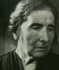 Photo of Ellen Widmann