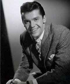 Photo of Lee Patterson