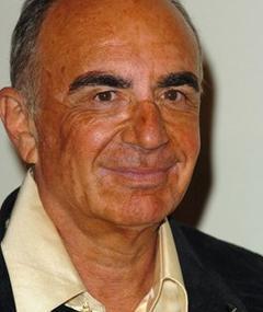 Photo of Robert Shapiro