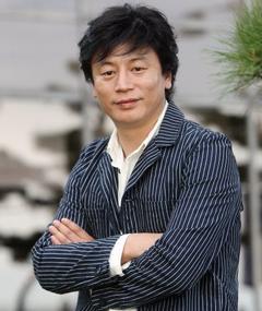 Gambar Kim Yong-hwa