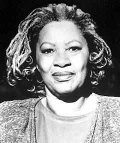 Toni Morrison adlı kişinin fotoğrafı