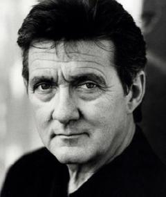 Graeme Blundell adlı kişinin fotoğrafı