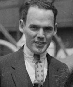 Gambar Henry Hull