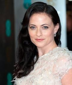 Photo of Lara Pulver
