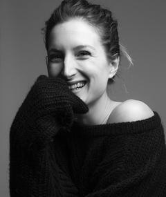 Gambar Julia Piaton