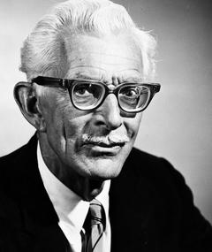 Photo of Alan Napier