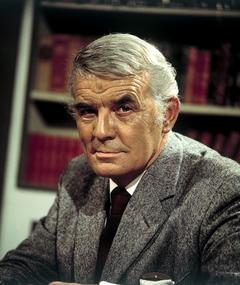 Clifford Evans adlı kişinin fotoğrafı