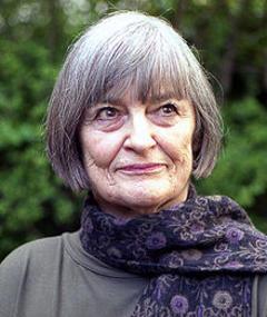 Photo of Vivian Pickles