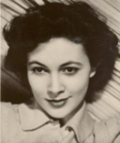 Gambar Barbara White