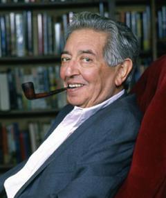 Irving Wallace adlı kişinin fotoğrafı