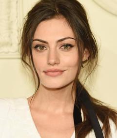 Photo of Phoebe Tonkin