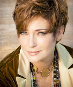 Photo of Carolyn Hennesy