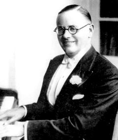 Percival Mackey adlı kişinin fotoğrafı
