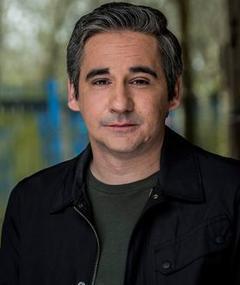 Photo of Iain Robertson