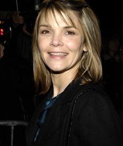 Kathryn Erbe adlı kişinin fotoğrafı