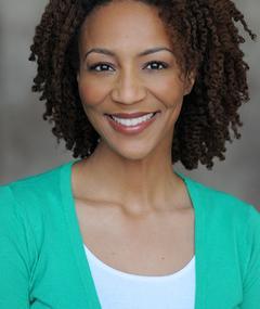 Photo of Nicole R. Hughes