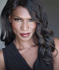 Photo of Rayna Campbell