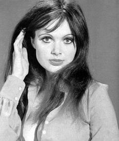 Gambar Madeline Smith