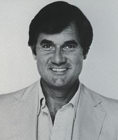 Photo of Gil Friesen
