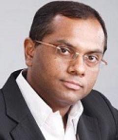 Vivek Rangachari adlı kişinin fotoğrafı