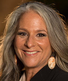 Photo of Marta Kauffman