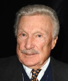 Photo of Warren Stevens