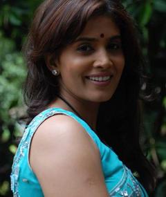 Photo of Sonali Kulkarni