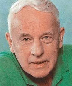 Walter Buschhoff adlı kişinin fotoğrafı