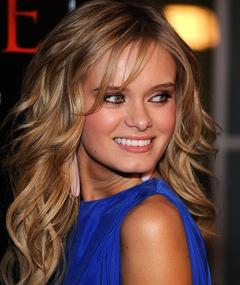 Photo of Sara Paxton