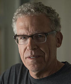 Photo of Carlton Cuse