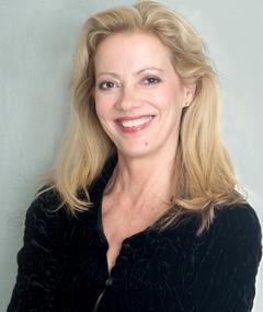 Photo of Elizabeth Hess