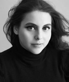 Photo of Beanie Feldstein