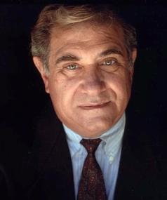 Photo of Dan Lauria