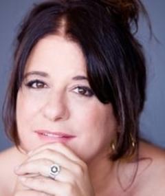 Gambar Claudia Della Seta
