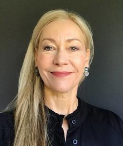 Photo of Carolyn Warren