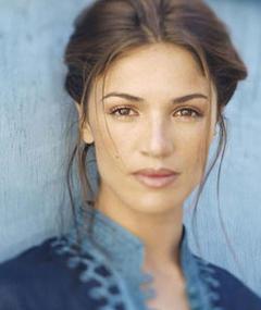 Photo of Nadia Farès