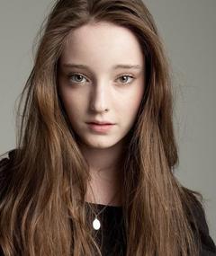 Photo of Emma Dumont