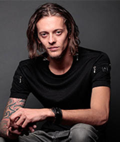 Adam Zastrow adlı kişinin fotoğrafı