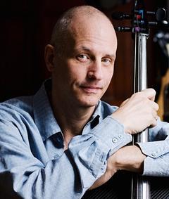 Photo of Erik Friedlander