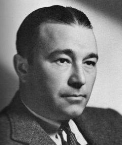 Photo of Robert Armstrong