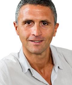 Photo of Christopher Simon