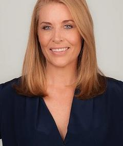 Photo of Jennifer Ward-Lealand